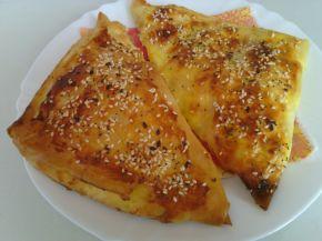 Снимка 1 от рецепта за Големи банички с масло и сирене