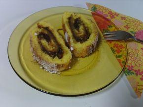 Снимка 1 от рецепта за Pуло със сладко от сливи, пудра захар и канела