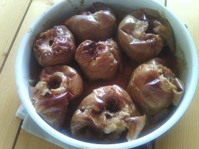 Снимка 1 от рецепта за Печени ябълки с кафява захар