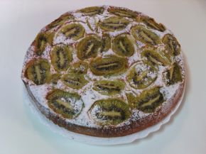 Снимка 1 от рецепта за Сладкиш с киви