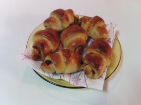Снимка 1 от рецепта за Кифли с домашно сладко