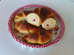 Снимка 1 от рецепта за Великденски локумени кифли