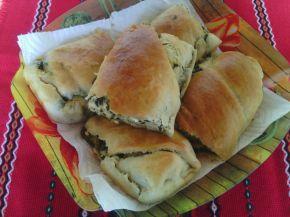 Снимка 1 от рецепта за Домашноточена закуска със спанак и сирене