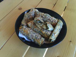 Снимка 1 от рецепта за Банички с турски кори, пресен спанак и гизум