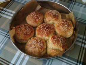 Снимка 1 от рецепта за Хлебчета с шунка и сирене