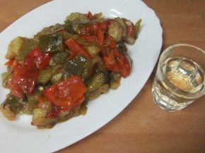 Снимка 1 от рецепта за Салата от печен пипер и патладжан