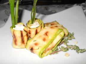 Снимка 2 от рецепта за Гриловани тиквички с крема сирене и мащерка