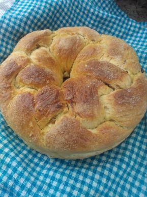 Снимка 2 от рецепта за Великденски козунак със стафиди, шоколад и сушени кайсии