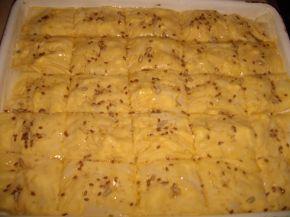 Снимка 3 от рецепта за Баница с царевично брашно и семена