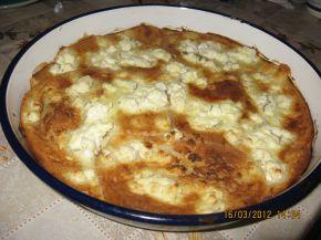 Снимка 4 от рецепта за Баница със сирене от хляб