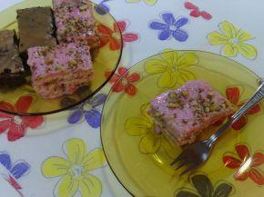 Снимка 6 от рецепта за Бисквитена торта с ягодов нюанс
