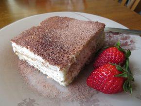 Снимка 3 от рецепта за Бисквитена торта с кондензирано мляко