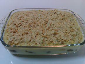 Снимка 2 от рецепта за Бисквитена торта с крем и конфитюр
