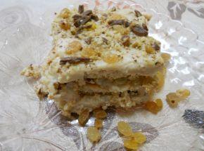 Снимка 3 от рецепта за Бисквитена торта с ром и стафиди