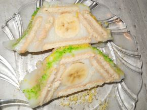 Снимка 4 от рецепта за Бисквитено руло с банани