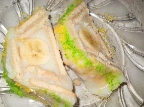 Снимка 5 от рецепта за Бисквитено руло с банани