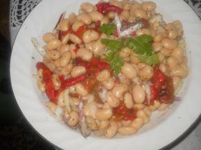 Снимка 2 от рецепта за Бобена салата с червени чушки