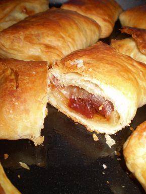 Снимка 5 от рецепта за Бутер банички със сладко, сирене и кашкавал