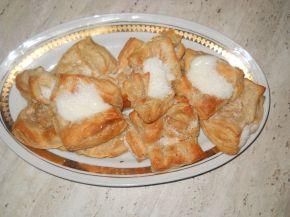 Снимка 3 от рецепта за Бутерки с ванилов крем и кокосови стърготини