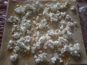 Снимка 9 от рецепта за Бутерки със сирене и яйце