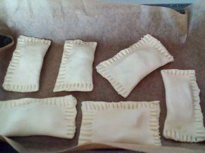 Снимка 3 от рецепта за Бутерки със сирене