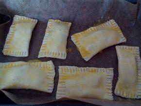 Снимка 4 от рецепта за Бутерки със сирене
