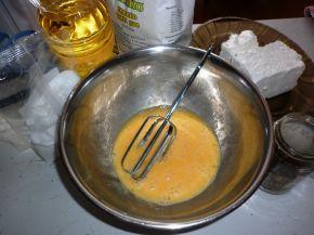 Снимка 2 от рецепта за Бъркана закуска със сирене
