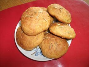Снимка 2 от рецепта за Бързи хлебчета със сирене