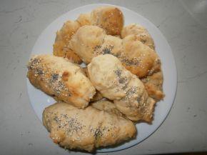 Снимка 4 от рецепта за Бързи кренвиршки с готово тесто