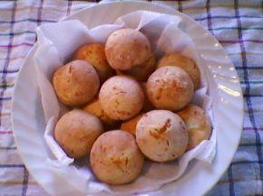 Снимка 3 от рецепта за Бързи и лесни питки с кашкавал