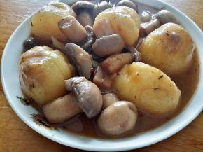Снимка 2 от рецепта за Бързо сготвени картофи и гъби