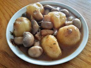 Снимка 3 от рецепта за Бързо сготвени картофи и гъби
