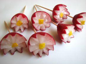 Снимка 3 от рецепта за Цветя от репички