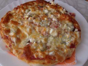 Снимка 3 от рецепта за Домашна пица с богата плънка