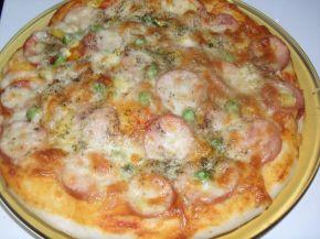 Снимка 6 от рецепта за Домашна пица с богата плънка