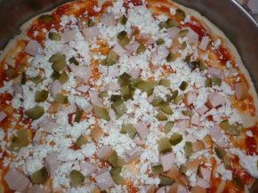 Снимка 3 от рецепта за Домашна пица