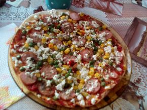 Снимка 7 от рецепта за Домашна пица