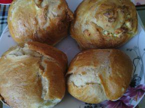 Снимка 3 от рецепта за Домашни хлебчета