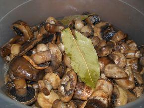 Снимка 2 от рецепта за Домашно мариновани гъби