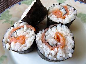 Снимка 1 от рецепта за Домашно суши със сьомга