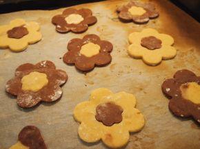 Снимка 2 от рецепта за Двуцветни сладки