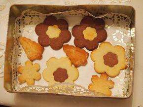 Снимка 7 от рецепта за Двуцветни сладки