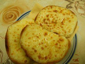 Снимка 2 от рецепта за Филийки със запечен кашкавал