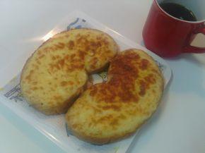 Снимка 5 от рецепта за Филийки със запечен кашкавал