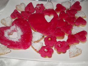 Снимка 2 от рецепта за Фонданови сърчица - Валентинки