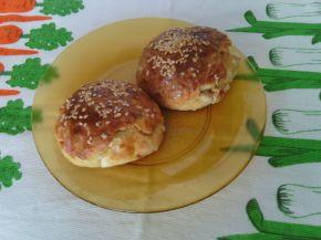 Снимка 2 от рецепта за Хлебчета с шунка и сирене