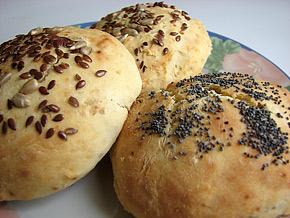 Снимка 1 от рецепта за Хлебчета със семена и сирене Рикота