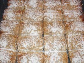 Снимка 4 от рецепта за Ябълков щрудел с готови кори