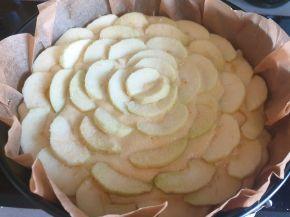 Снимка 2 от рецепта за Ябълков сладкиш с маскарпоне