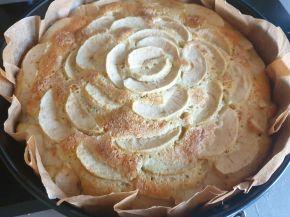 Снимка 3 от рецепта за Ябълков сладкиш с маскарпоне